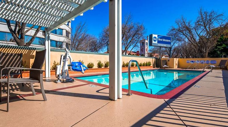 """Best Western Town House Lodge Exterior. Images powered by <a href=""""http://web.iceportal.com"""" target=""""_blank"""" rel=""""noopener"""">Ice Portal</a>."""