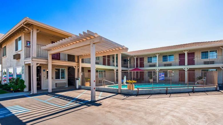 """Best Western Hanford Inn Exterior. Images powered by <a href=""""http://web.iceportal.com"""" target=""""_blank"""" rel=""""noopener"""">Ice Portal</a>."""