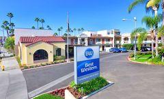 Lamplighter Inn & Suites