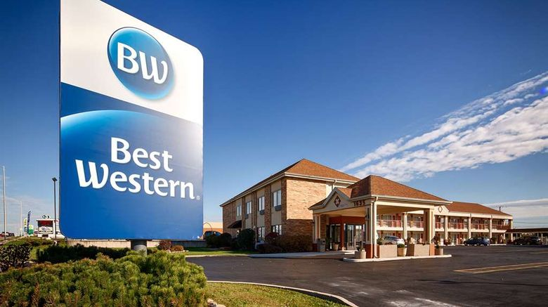 """Best Western Inn of St. Charles Exterior. Images powered by <a href=""""http://web.iceportal.com"""" target=""""_blank"""" rel=""""noopener"""">Ice Portal</a>."""