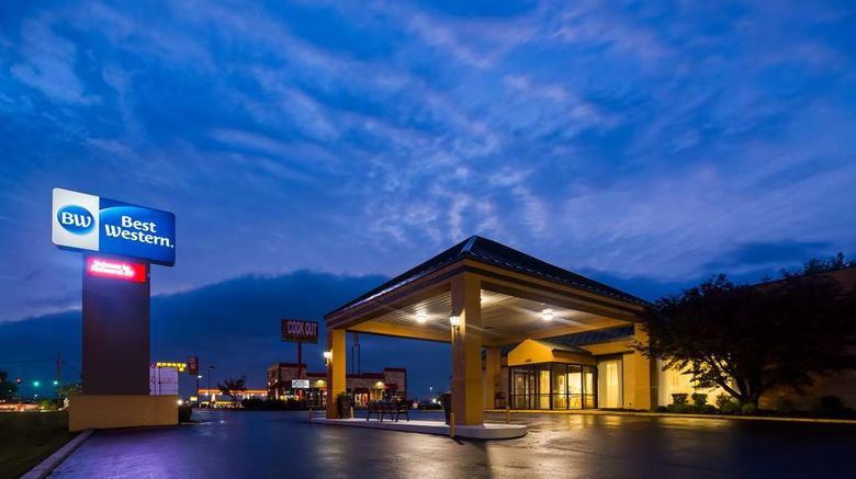 """Best Western Richmond Hotel Exterior. Images powered by <a href=""""http://web.iceportal.com"""" target=""""_blank"""" rel=""""noopener"""">Ice Portal</a>."""