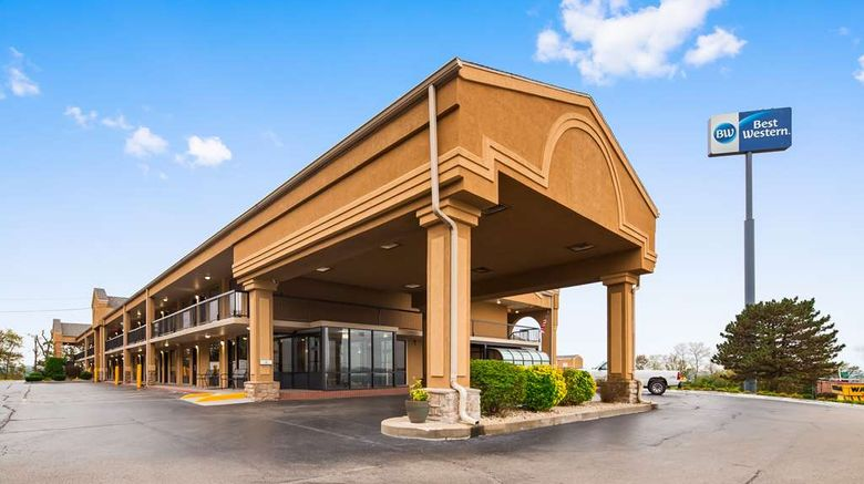 """Best Western Coachlight Exterior. Images powered by <a href=""""http://web.iceportal.com"""" target=""""_blank"""" rel=""""noopener"""">Ice Portal</a>."""