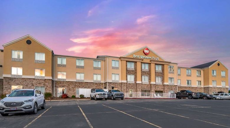 """Best Western Plus Columbia Inn Exterior. Images powered by <a href=""""http://web.iceportal.com"""" target=""""_blank"""" rel=""""noopener"""">Ice Portal</a>."""