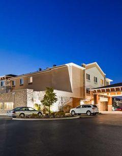 Best Western Plus Boardman Inn & Suites