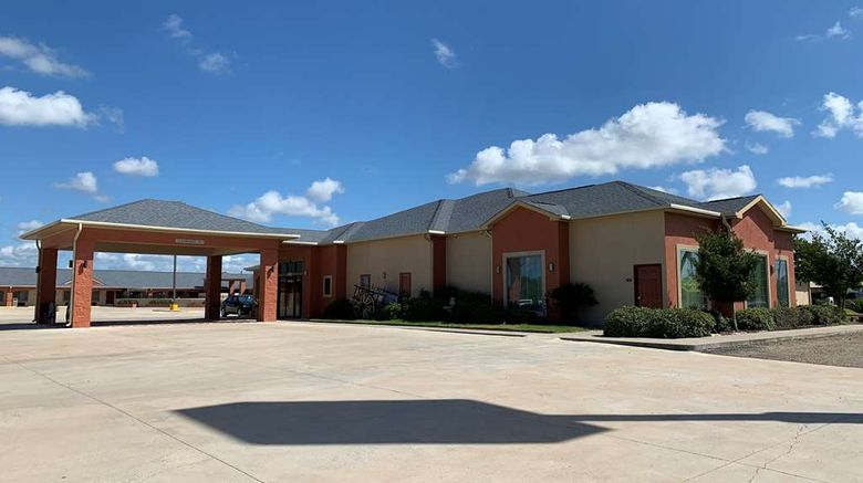 """Best Western Windwood Inn  and  Suites Exterior. Images powered by <a href=""""http://web.iceportal.com"""" target=""""_blank"""" rel=""""noopener"""">Ice Portal</a>."""
