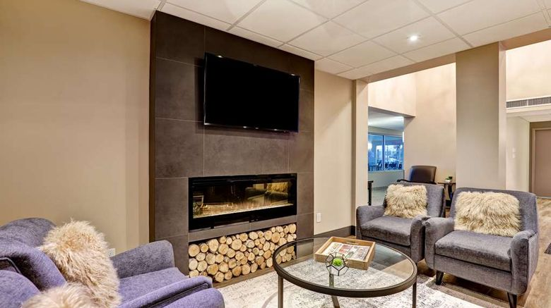 """<b>Best Western Plus Brandon Inn Lobby</b>. Images powered by <a href=""""https://iceportal.shijigroup.com/"""" title=""""IcePortal"""" target=""""_blank"""">IcePortal</a>."""
