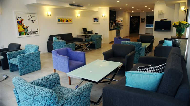 """Best Western Regency Suites Hotel Lobby. Images powered by <a href=""""http://web.iceportal.com"""" target=""""_blank"""" rel=""""noopener"""">Ice Portal</a>."""