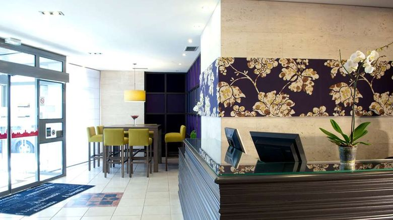 """Best Western Hotel du Pont Wilson Lobby. Images powered by <a href=""""http://web.iceportal.com"""" target=""""_blank"""" rel=""""noopener"""">Ice Portal</a>."""