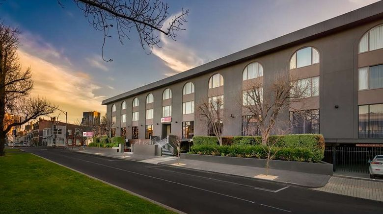 """Best Western Plus Travel Inn Hotel Exterior. Images powered by <a href=""""http://web.iceportal.com"""" target=""""_blank"""" rel=""""noopener"""">Ice Portal</a>."""