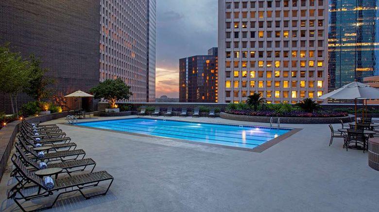 "<b>Hyatt Regency Houston Pool</b>. Images powered by <a href=""https://iceportal.shijigroup.com/"" title=""IcePortal"" target=""_blank"">IcePortal</a>."