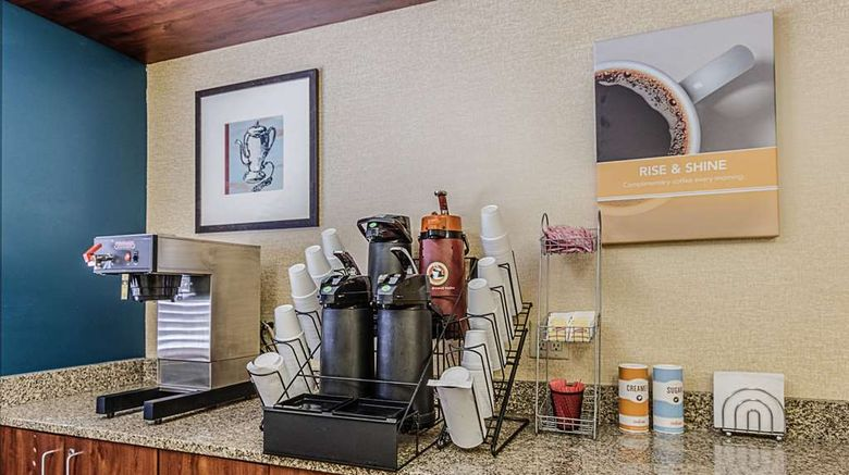 """<b>Motel 6 La Crosse Lobby</b>. Images powered by <a href=""""https://iceportal.shijigroup.com/"""" title=""""IcePortal"""" target=""""_blank"""">IcePortal</a>."""