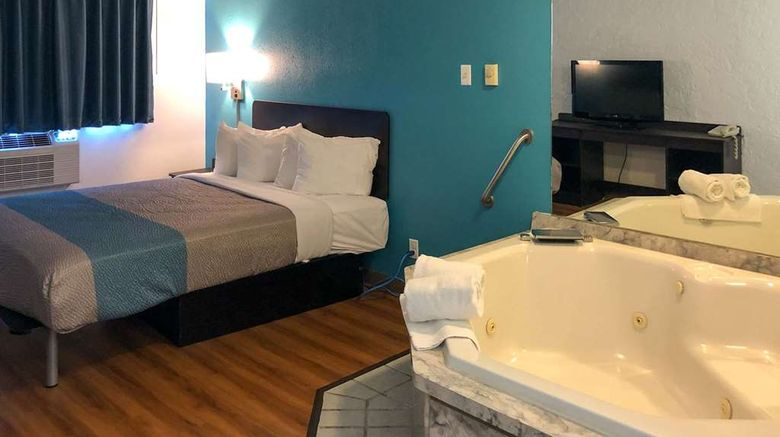"""<b>Motel 6 La Crosse Room</b>. Images powered by <a href=""""https://iceportal.shijigroup.com/"""" title=""""IcePortal"""" target=""""_blank"""">IcePortal</a>."""