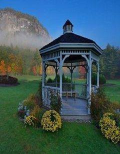 White Mountain Hotel and Resort