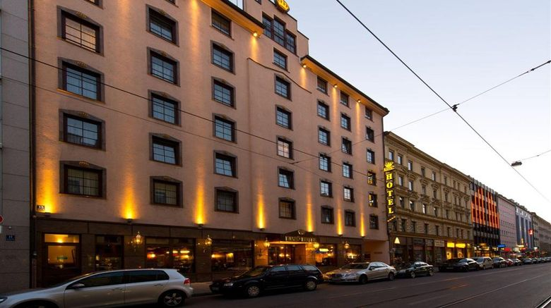 """Kings Hotel First Class Exterior. Images powered by <a href=""""http://web.iceportal.com"""" target=""""_blank"""" rel=""""noopener"""">Ice Portal</a>."""