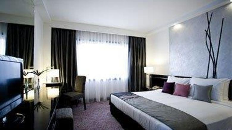"""<b>Cinnamon Lakeside Colombo Suite</b>. Images powered by <a href=""""https://iceportal.shijigroup.com/"""" title=""""IcePortal"""" target=""""_blank"""">IcePortal</a>."""