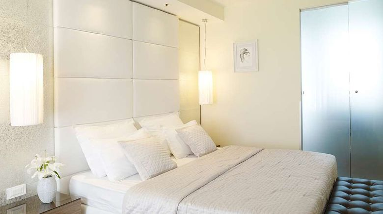 """<b>Belgrade Art Hotel, Radisson Individuals Room</b>. Images powered by <a href=""""https://iceportal.shijigroup.com/"""" title=""""IcePortal"""" target=""""_blank"""">IcePortal</a>."""