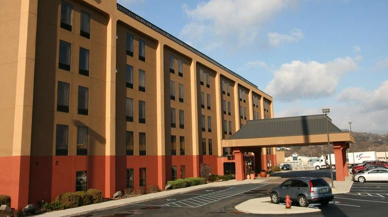 """Hampton Inn Altoona Exterior. Images powered by <a href=""""http://web.iceportal.com"""" target=""""_blank"""" rel=""""noopener"""">Ice Portal</a>."""