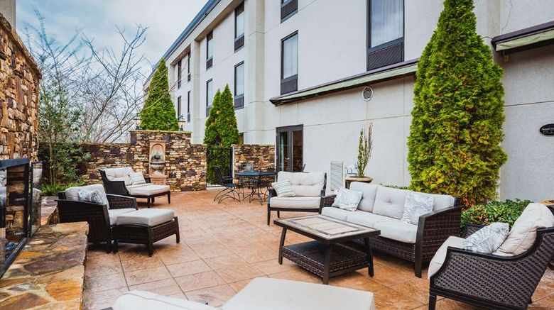 """Hampton Inn Madison Exterior. Images powered by <a href=""""http://web.iceportal.com"""" target=""""_blank"""" rel=""""noopener"""">Ice Portal</a>."""