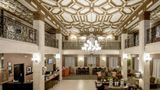 Hampton Inn & Suites Downtown Lobby