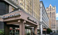 Hampton Inn & Suites Milwaukee/Downtown
