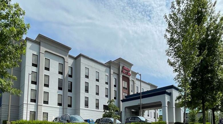 """Hampton Inn  and  Suites Louisville East Exterior. Images powered by <a href=""""http://web.iceportal.com"""" target=""""_blank"""" rel=""""noopener"""">Ice Portal</a>."""