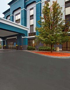 Hampton Inn & Suites Syracuse Erie Blvd