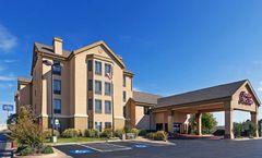 Hampton Inn & Suites