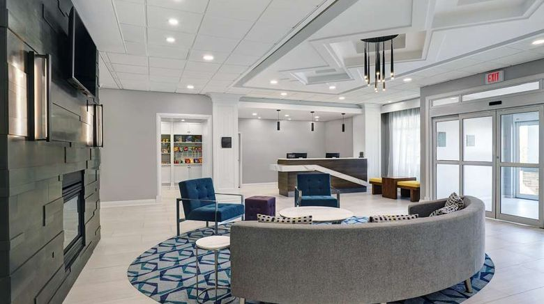 """Homewood Suites by Hilton London Ontario Lobby. Images powered by <a href=""""http://web.iceportal.com"""" target=""""_blank"""" rel=""""noopener"""">Ice Portal</a>."""