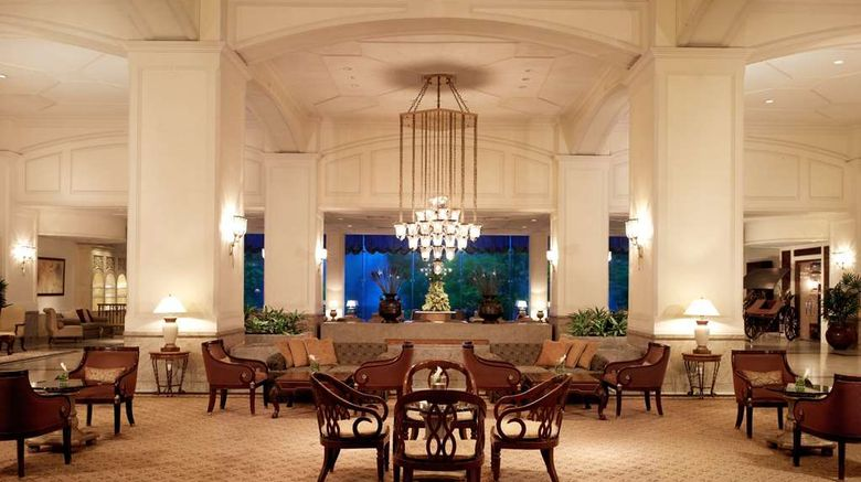 """<b>Hilton Colombo Lobby</b>. Images powered by <a href=""""https://iceportal.shijigroup.com/"""" title=""""IcePortal"""" target=""""_blank"""">IcePortal</a>."""