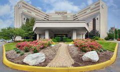 DoubleTree by Hilton Hotel Newark Airprt