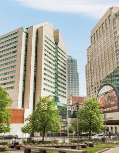 Embassy Suites Indianapolis – Downtown