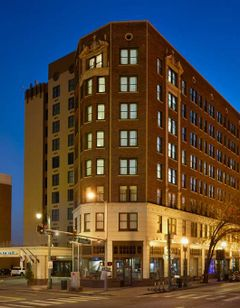 Doubletree Hotel Memphis Downtown