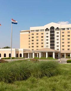 Embassy Suites Hotel Airport