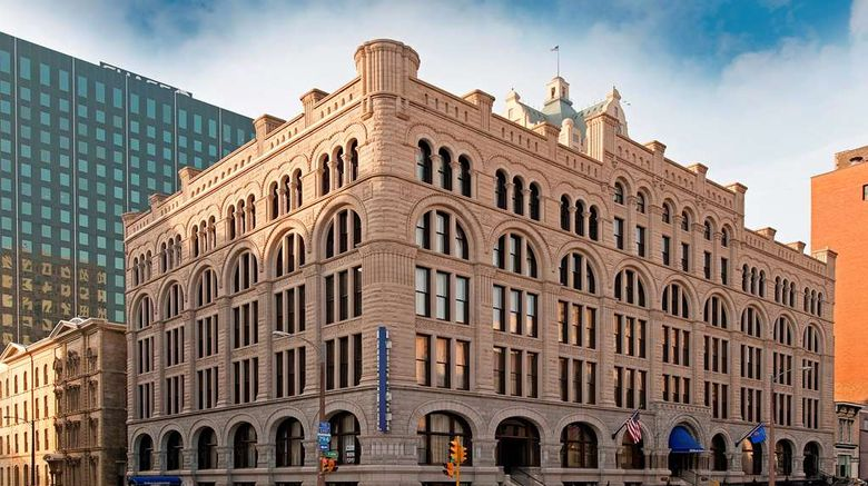 """Hilton Garden Inn Milwaukee Downtown Exterior. Images powered by <a href=""""http://web.iceportal.com"""" target=""""_blank"""" rel=""""noopener"""">Ice Portal</a>."""