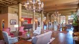 Hampton Inn & Suites Convention Center Lobby