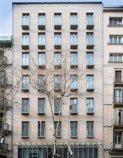 Catalonia Square Hotel