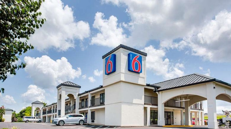"""Motel 6 White House, TN Exterior. Images powered by <a href=""""http://web.iceportal.com"""" target=""""_blank"""" rel=""""noopener"""">Ice Portal</a>."""