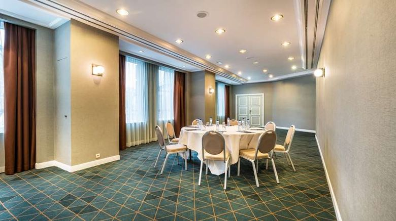 """<b>Hilton Brussels Grand Place Meeting</b>. Images powered by <a href=""""https://iceportal.shijigroup.com/"""" title=""""IcePortal"""" target=""""_blank"""">IcePortal</a>."""