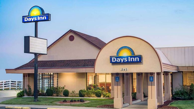 """Days Inn Grove City Columbus South Exterior. Images powered by <a href=""""http://web.iceportal.com"""" target=""""_blank"""" rel=""""noopener"""">Ice Portal</a>."""