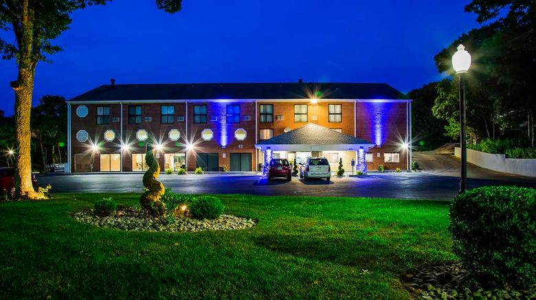"""Best Western Cape Cod Hotel Exterior. Images powered by <a href=""""http://web.iceportal.com"""" target=""""_blank"""" rel=""""noopener"""">Ice Portal</a>."""