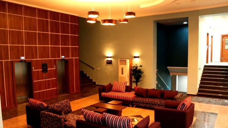 """Best Western Plus Elomaz Hotel Lobby. Images powered by <a href=""""http://web.iceportal.com"""" target=""""_blank"""" rel=""""noopener"""">Ice Portal</a>."""