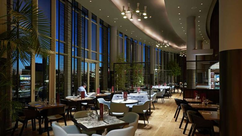 """<b>DoubleTree by Hilton London ExCeL Restaurant</b>. Images powered by <a href=""""https://iceportal.shijigroup.com/"""" title=""""IcePortal"""" target=""""_blank"""">IcePortal</a>."""