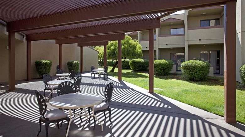 """Best Western Plus Wine Country Inn  and  Ste Exterior. Images powered by <a href=""""http://web.iceportal.com"""" target=""""_blank"""" rel=""""noopener"""">Ice Portal</a>."""