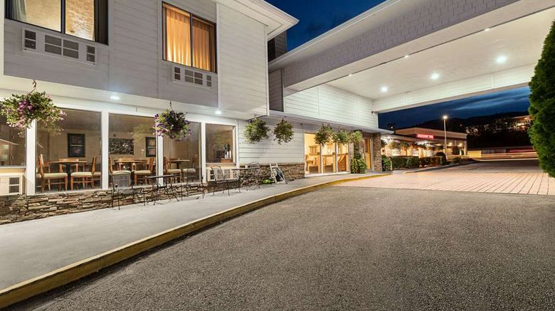 """La Quinta Inn  and  Suites Wenatchee Exterior. Images powered by <a href=""""http://web.iceportal.com"""" target=""""_blank"""" rel=""""noopener"""">Ice Portal</a>."""