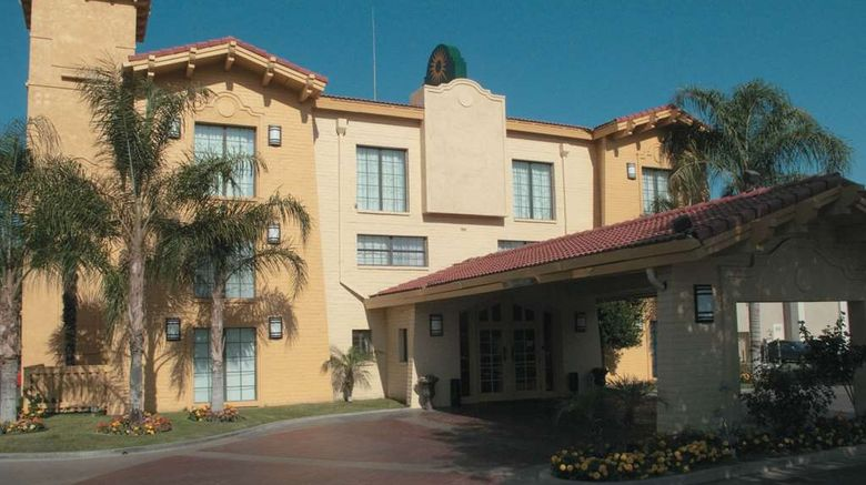 """La Quinta Inn Bakersfield South Exterior. Images powered by <a href=""""http://web.iceportal.com"""" target=""""_blank"""" rel=""""noopener"""">Ice Portal</a>."""