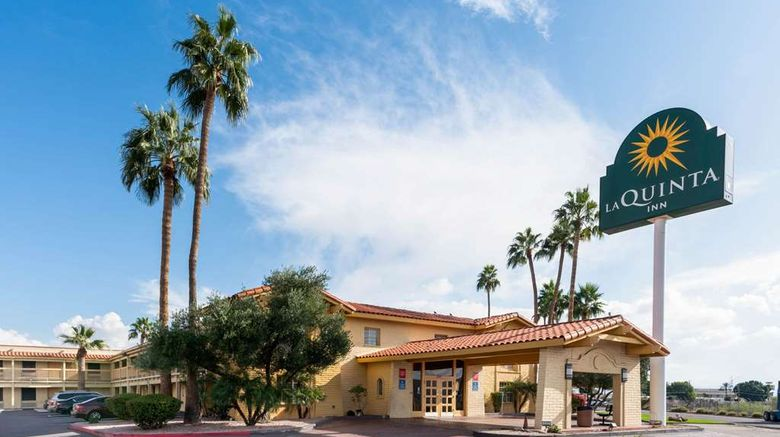 """La Quinta Inn Phoenix Thomas Road Exterior. Images powered by <a href=""""http://web.iceportal.com"""" target=""""_blank"""" rel=""""noopener"""">Ice Portal</a>."""