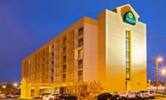 La Quinta Inn & Suites Nashville Arpt
