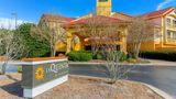 La Quinta Inn & Stes Raleigh Durham Arpt Exterior