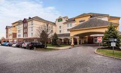 La Quinta Inn & Suites Islip/MacArthur