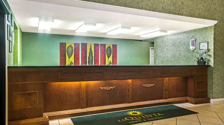 """<b>La Quinta Inn & Suites Fort Smith Lobby</b>. Images powered by <a href=""""https://iceportal.shijigroup.com/"""" title=""""IcePortal"""" target=""""_blank"""">IcePortal</a>."""